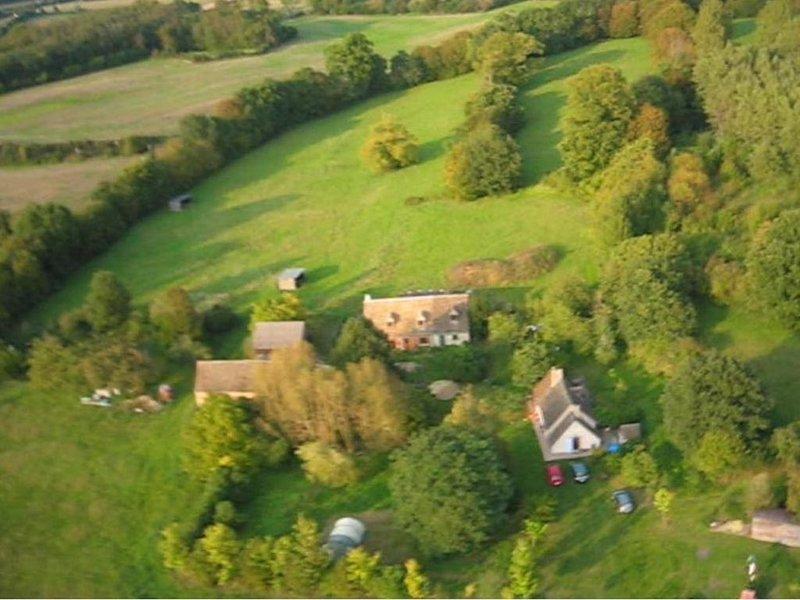 Près du mans, maison au calme dans corps de ferme, aluguéis de temporada em Sarthe