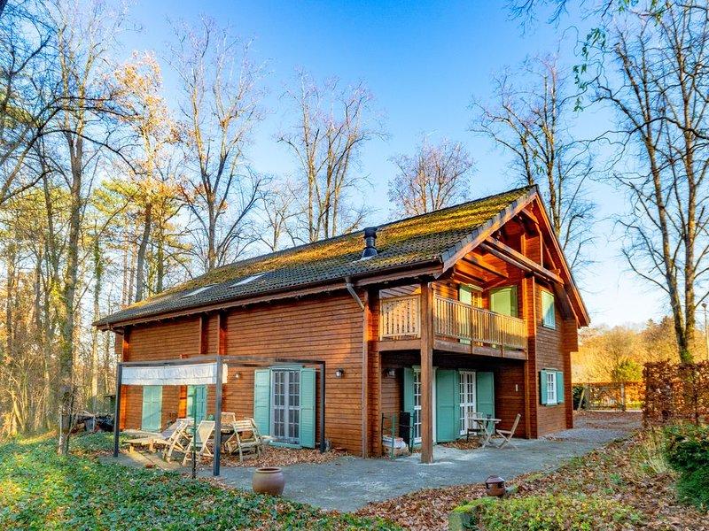 Chalet 'Norvégien' chaleureux et confortable à Bomal-sur-Ourthe, holiday rental in Heyd