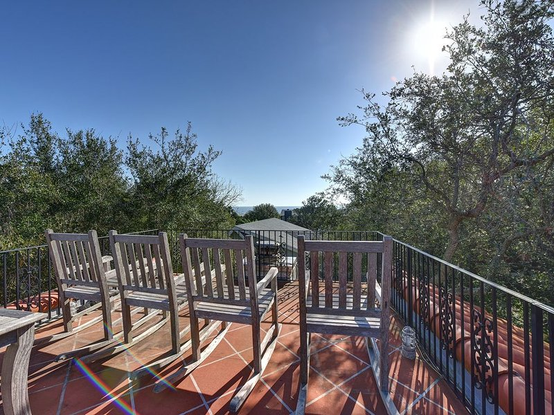 Beautiful 4 bed, 5 full bath, East Beach with Pool, 3 houses from East Beach, alquiler vacacional en Sea Island