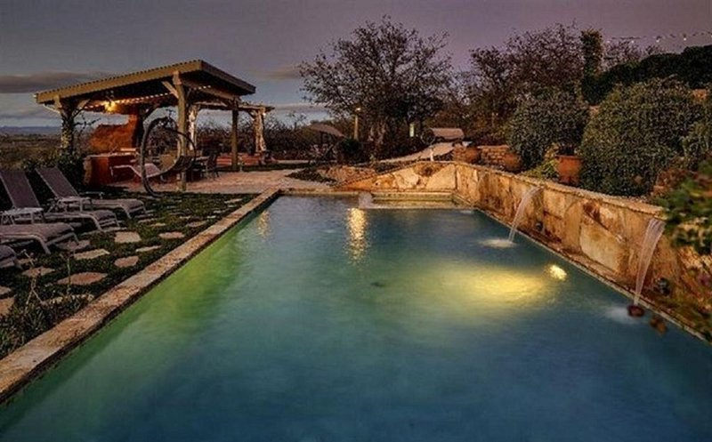 Luxury Estate In Paso Robles. Treat Yourself To Excellence!!!, holiday rental in Creston