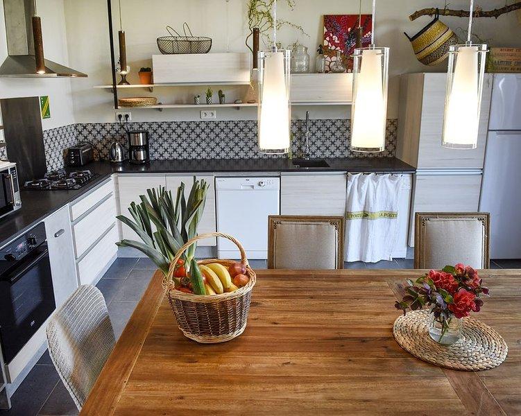 Le grand cyprès - gîte de charme en Bretagne à 500 m de la mer, holiday rental in Cotes-d'Armor