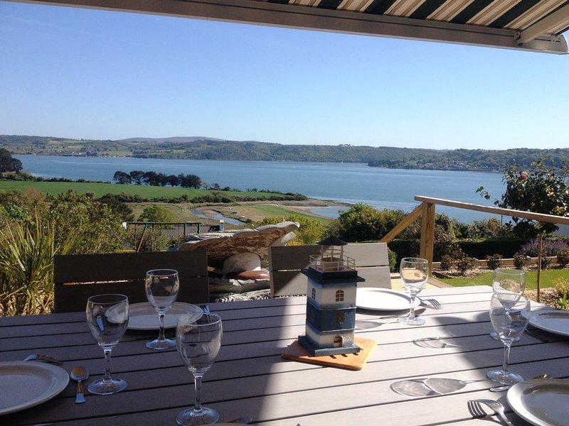 Grande maison familiale, SPA, Très belle vue mer, Confort, Calme,Wifi, holiday rental in Daoulas