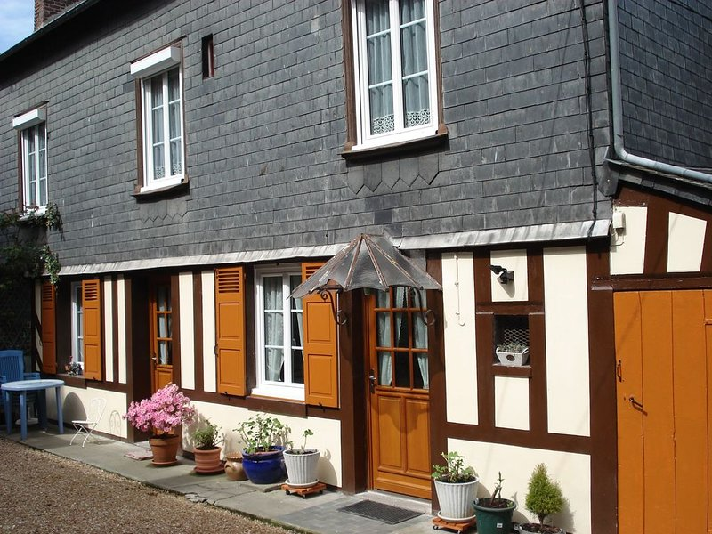 Nice house in Honfleur, location de vacances à La Riviere-Saint-Sauveur