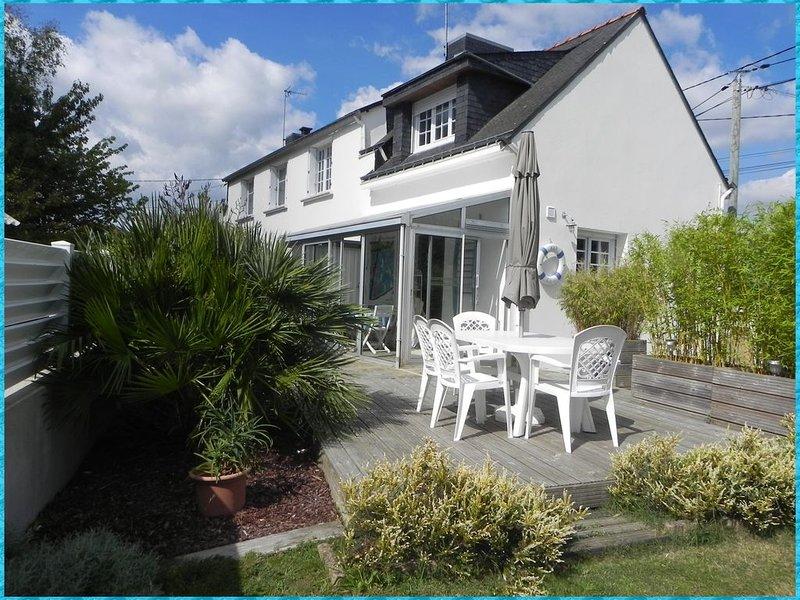 BADEN - KER LOU Maison 72 m2, proche mer, véranda jardin clos, location de vacances à Morbihan