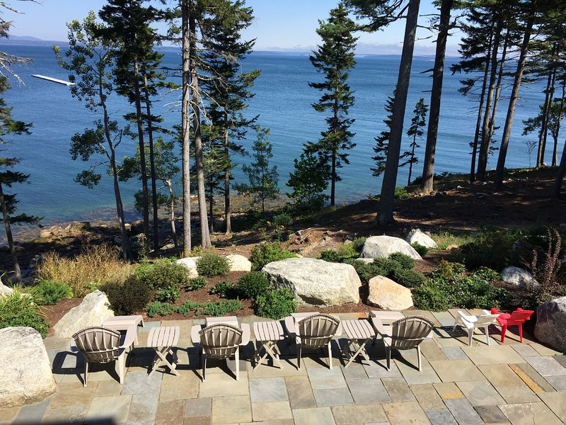 Oceanfront  Lg Home at Entrance to Acadia National Park, Bar Harbor, holiday rental in Hulls Cove
