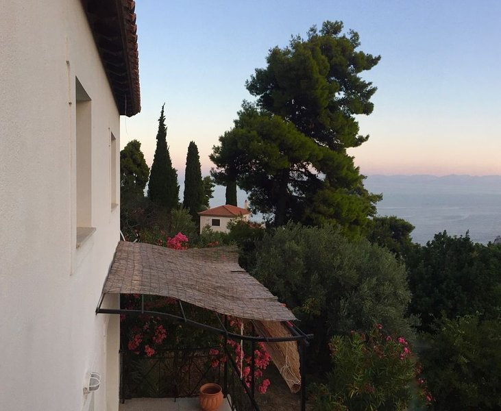 VILLA MYRTO - Beautiful see-view villa in Stafilos, holiday rental in Stafylos