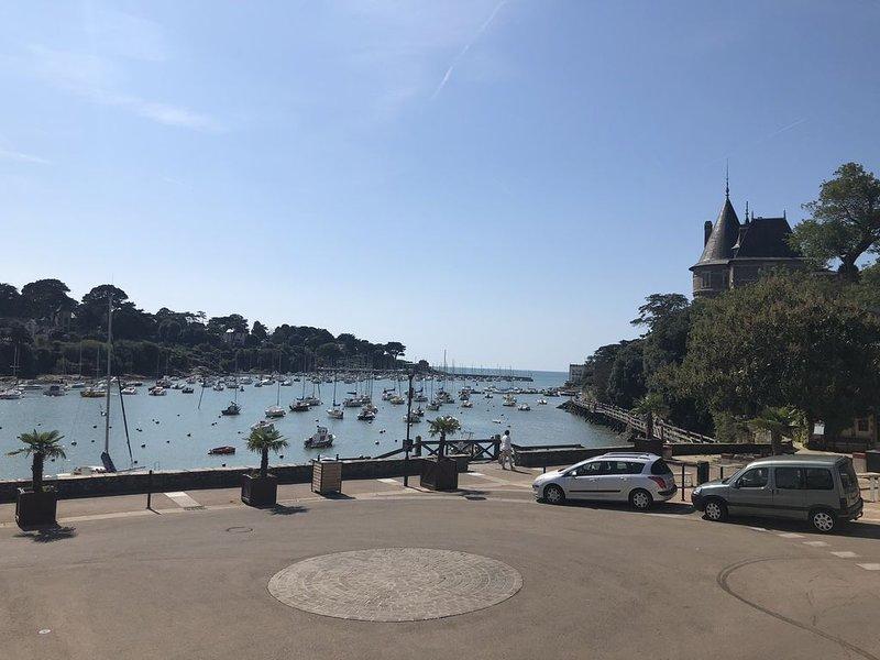 Rare!! maison de 170m2, vue sur mer, château, avec jardin, rénovée 2019, vacation rental in Pornic
