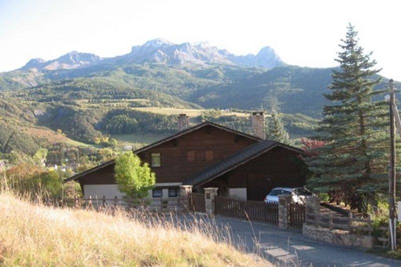 Barcelonnette (04) appart.t3 dans chalet traditionnel montagnard, location de vacances à Jausiers