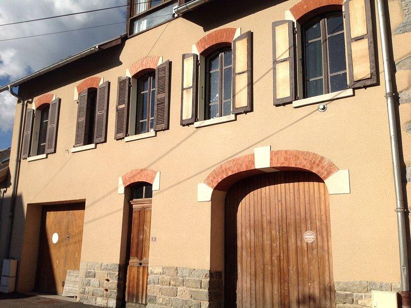 Beau studio Barcelonette, belle vue sur les montagnes, location de vacances à Jausiers