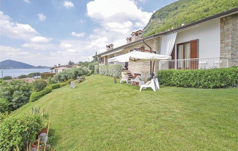 3 Zimmer Unterkunft in Sarnico -BG-, Ferienwohnung in Corte Franca