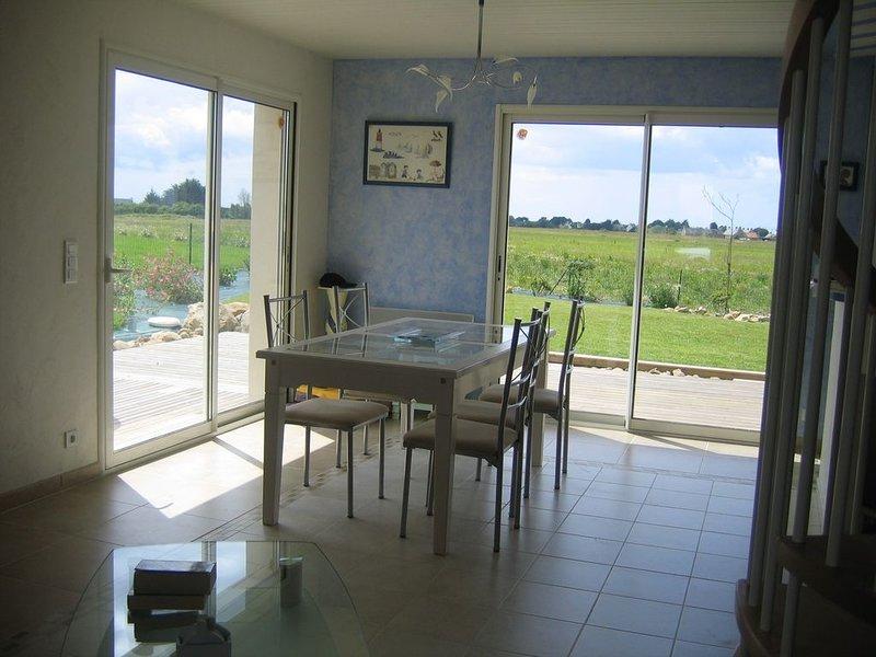 Maison récente dans petit village pittoresque et calme : 3 clés, alquiler vacacional en Morbihan
