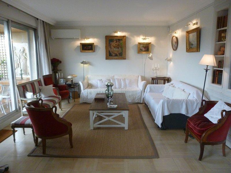 Très beau Penthouse (7° et 8° étages) de 140 m2, 2 chambres 100 m2 de terrasse, location de vacances à Neuilly-sur-Seine