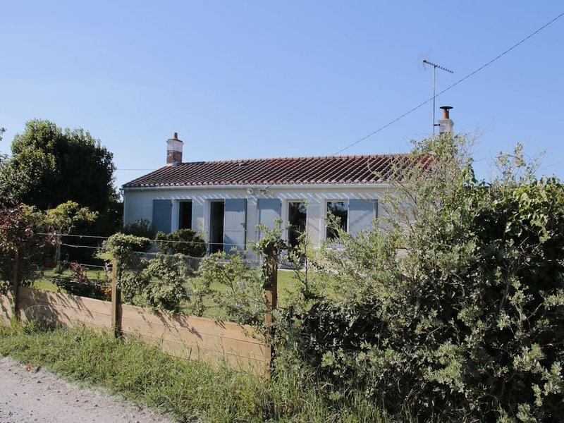Maison dans le Marais Breton Vendéen, holiday rental in Saint-Hilaire-de-Riez