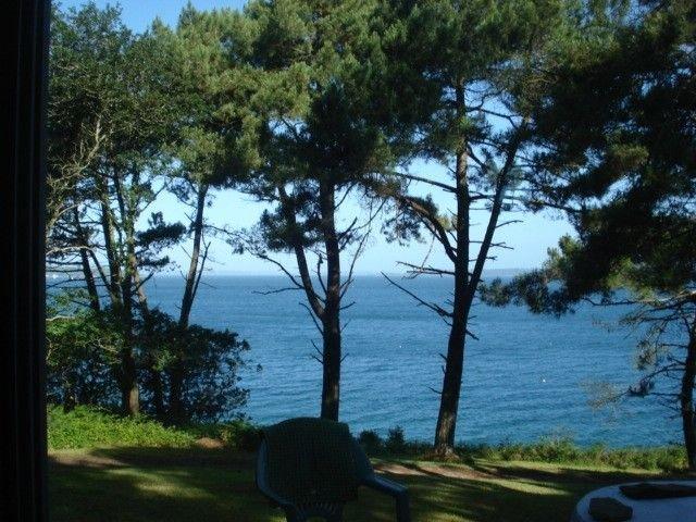 Maison Avec Accès Direct à La Mer Sur 18000 M2 De Bois, holiday rental in Landevennec
