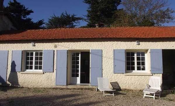 Maison très au calme 2 km mer, aluguéis de temporada em Bretignolles Sur Mer