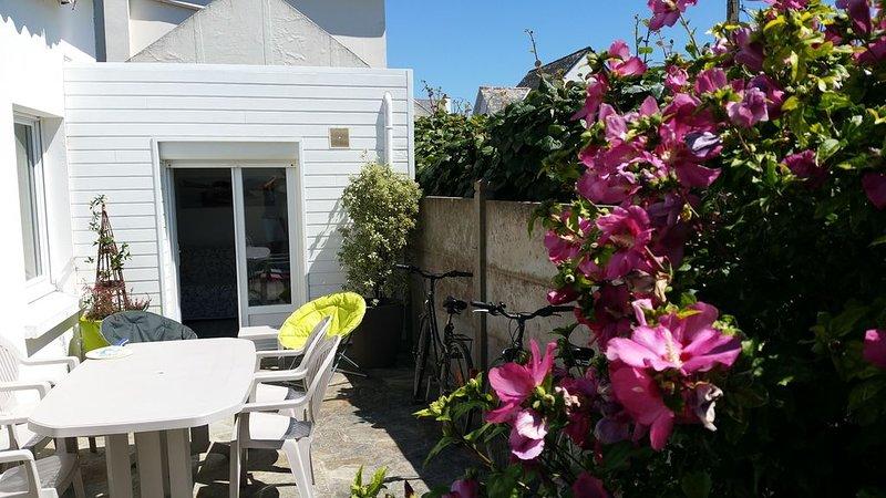 Agréable maison de vacances proche plage et côte sauvage, holiday rental in Saint-Pierre-Quiberon