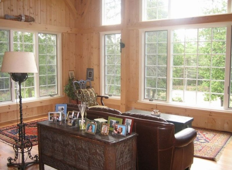 New Post and Beam Home in a Secluded Wood, vacation rental in Trenton