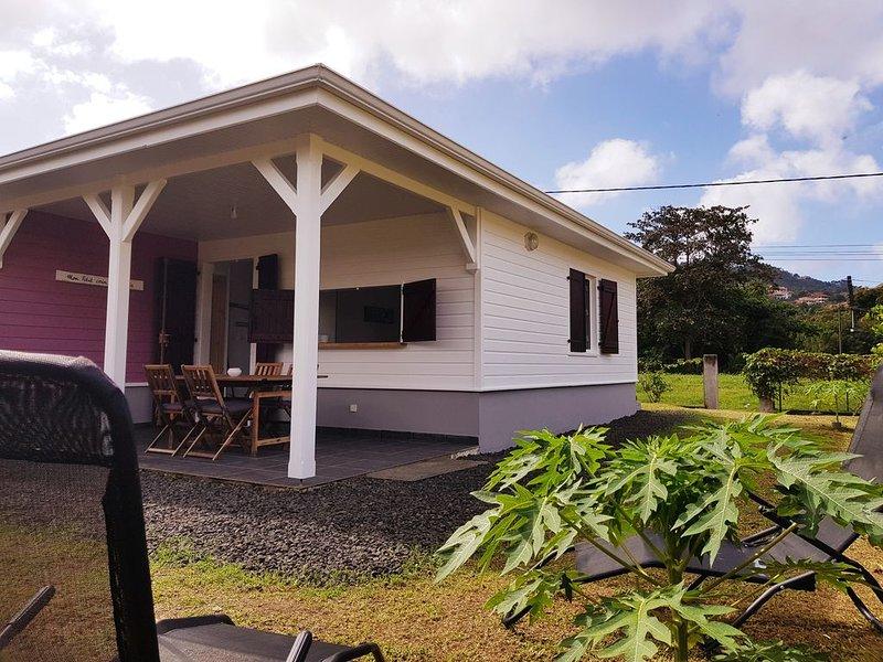 Maison créole à 200 mètres de la mer, holiday rental in La Pagerie