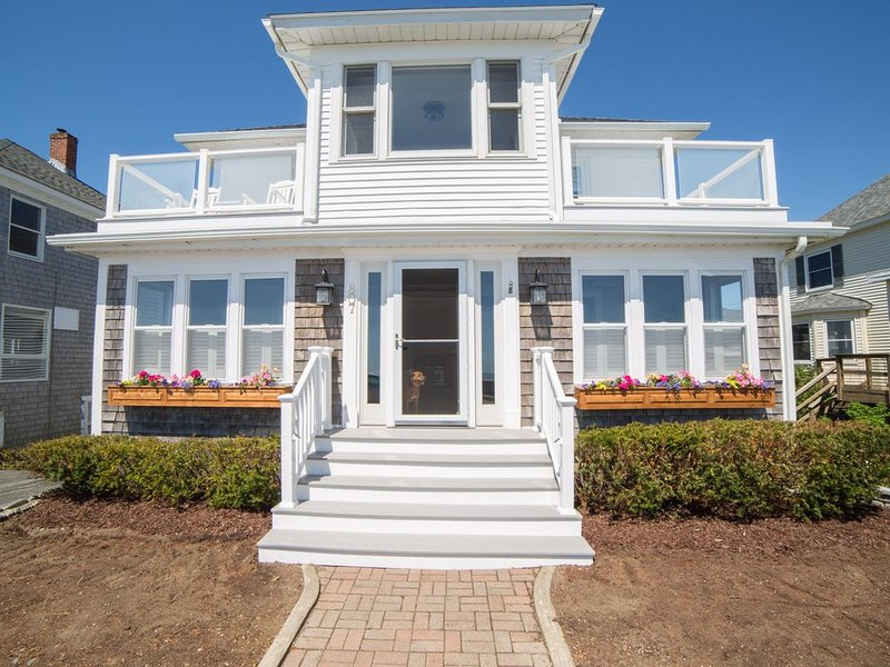 Hampton Ocean View Beach House, holiday rental in Hampton