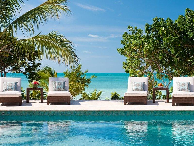 Villa Mirabelle Beachfront Villa, Ferienwohnung in Turtle Cove