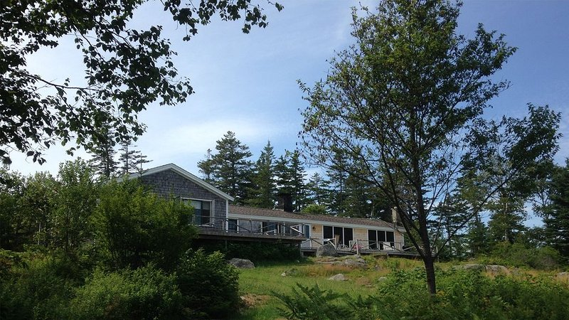 'The Villa' - Private Cottage with Views & Shorefront, holiday rental in North Haven