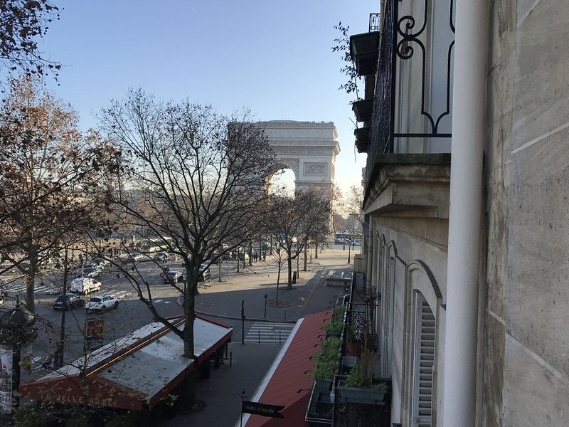 Be Next to The Champs Elysee!, holiday rental in Neuilly-sur-Seine