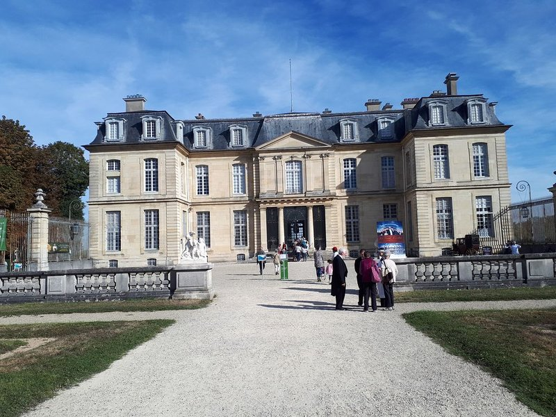 Residence le château, holiday rental in Chelles