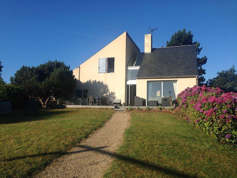 Côte De Granit Rose : Maison d'architecte en bord de mer sur jardin d'hortensias, alquiler de vacaciones en Louannec