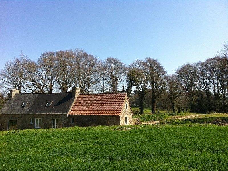 gîte au calme dans le parc d'un château – semesterbostad i Lannion