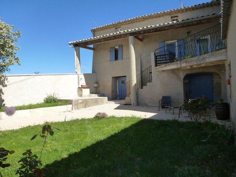 Gîte Saint-Clair, hébergement de charme au pays des lavandes, holiday rental in Chateauneuf-Miravail