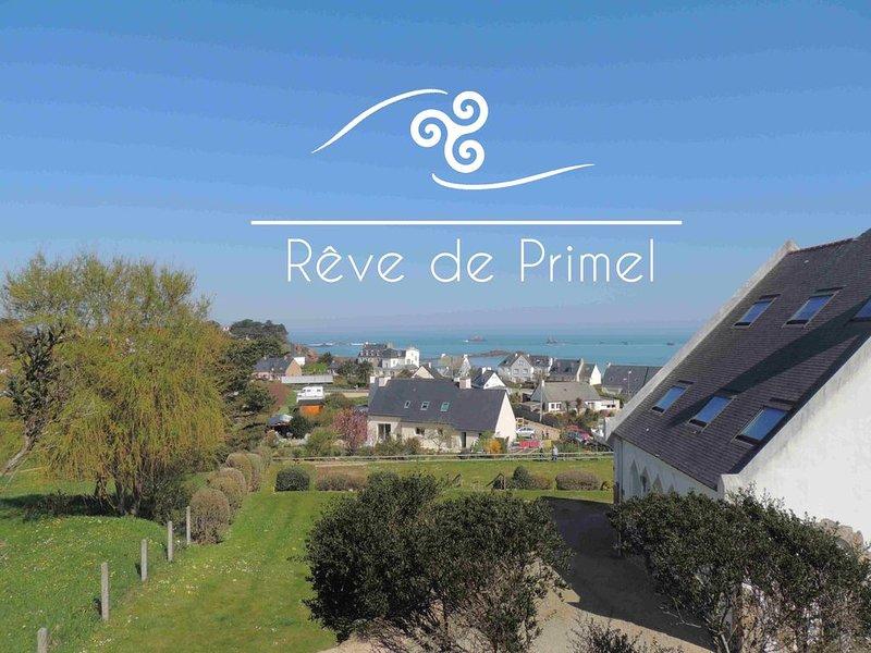 Appartement vue mer à 2 minutes à pied de la plage, vacation rental in Saint-Jean-du-Doigt