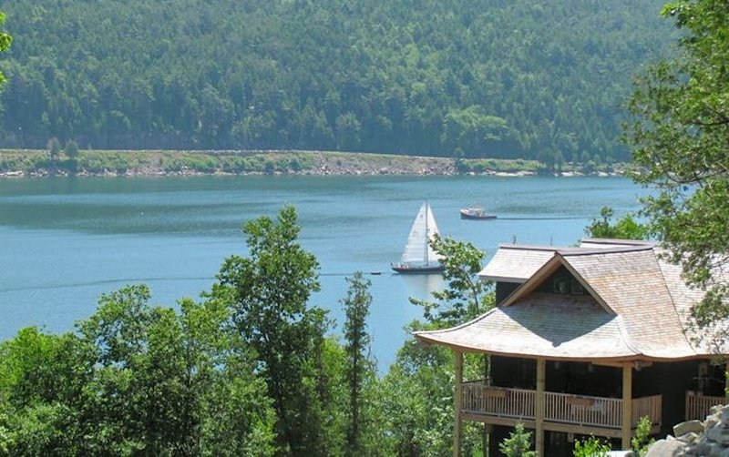 Acadia Lodge: Stunning Custom Shorefront on Somes Sound w/Kayaks, Dock, Moorings, vacation rental in Acadia National Park