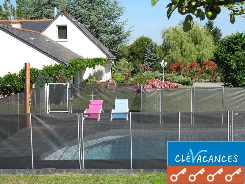 Le 'GITE ANJOUE' dans les vignobles du Val de Loire pour 4 personnes, holiday rental in Saint-Aubin-de-Luigne
