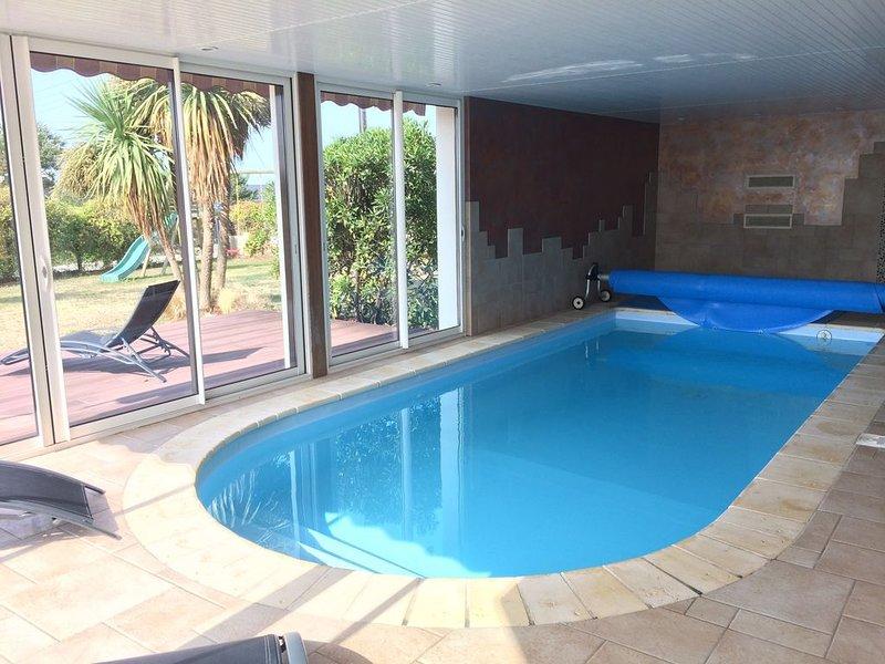 Villa à Moëlan sur Mer, 10-12 p vue mer avec piscine, Finistère sud, holiday rental in Moelan sur Mer