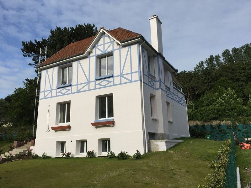 Villa Violaine - Station Balnéaire à 2 min de la plage, vacation rental in Sassetot-le-Mauconduit