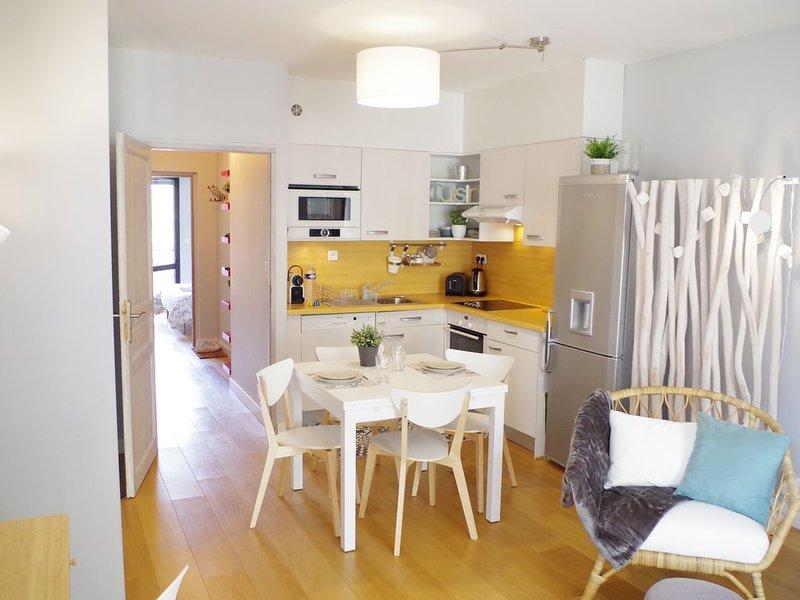 Appartement Versailles centre, calme, tout équipé, ascenseur, parking (suppl), location de vacances à Versailles