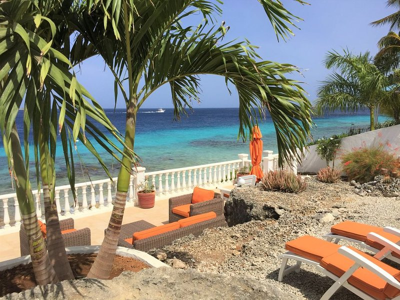 *Diving at Your Doorstep* Beachcomber Villas Seafront Vacation Apartment, aluguéis de temporada em Bonaire