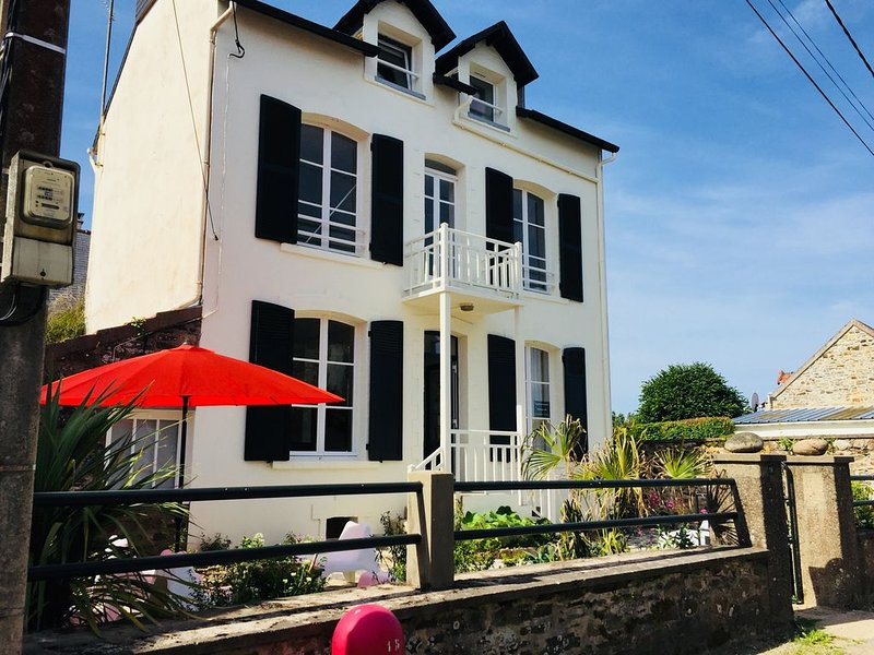 Villa Albertine au coeur de la Côte des Isles, alquiler de vacaciones en Saint-Jean-de-la-Riviere