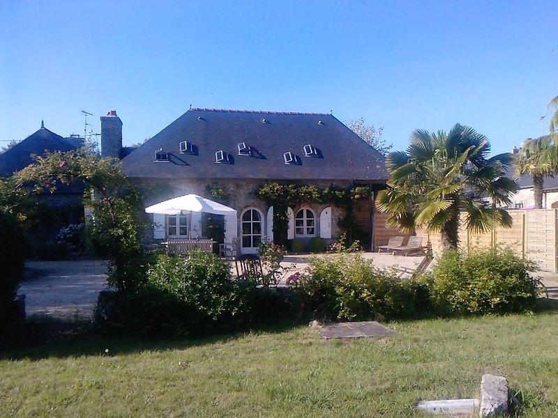Maison de Caractère,au coeur d'un site naturel,accès privé à plage, location de vacances à Combrit