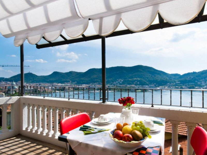 54B , APARTMENT 100 MQ.  , COMO & LAKE VIEW, vacation rental in Como
