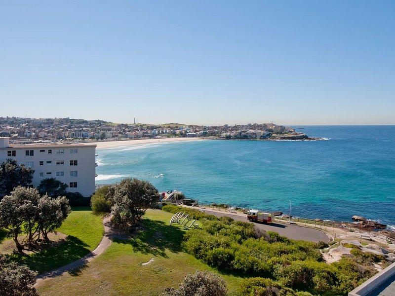 Breathtaking beach & ocean view, holiday rental in Bronte
