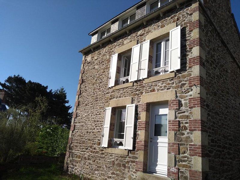 Maison traditionnelle, classée meublé de tourisme 3 étoiles, à 150m de la plage, location de vacances à Saint-Quay-Portrieux