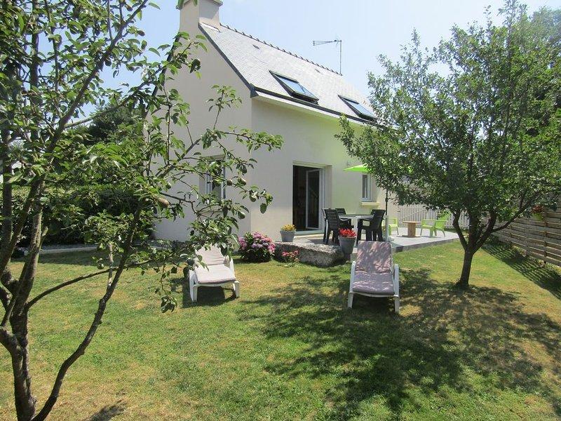 Maison au calme, à 800m des plages et des sentiers côtiers, location de vacances à Tregunc