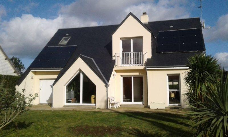 en Normandie les 'cool' à pic  à 300 m de la mer, vacation rental in Denneville
