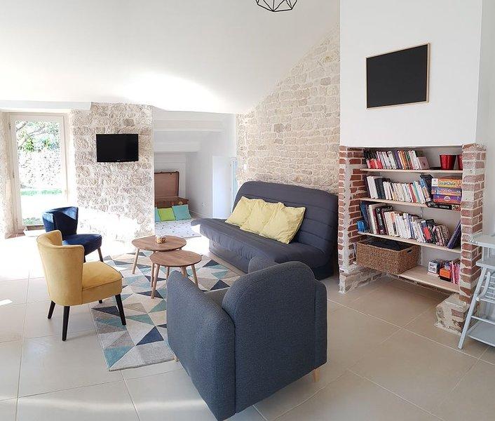 Maison typique, coeur de ville, 5 mn de la plage, holiday rental in Jard-sur-Mer