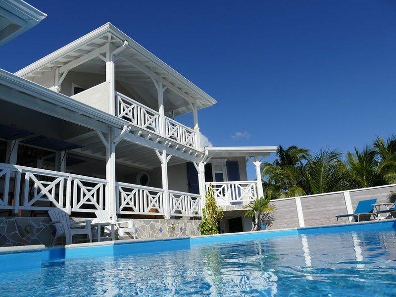 Chambre d hôtes avec une vue panoramique sur la mer des Caraïbes, holiday rental in Bellefontaine