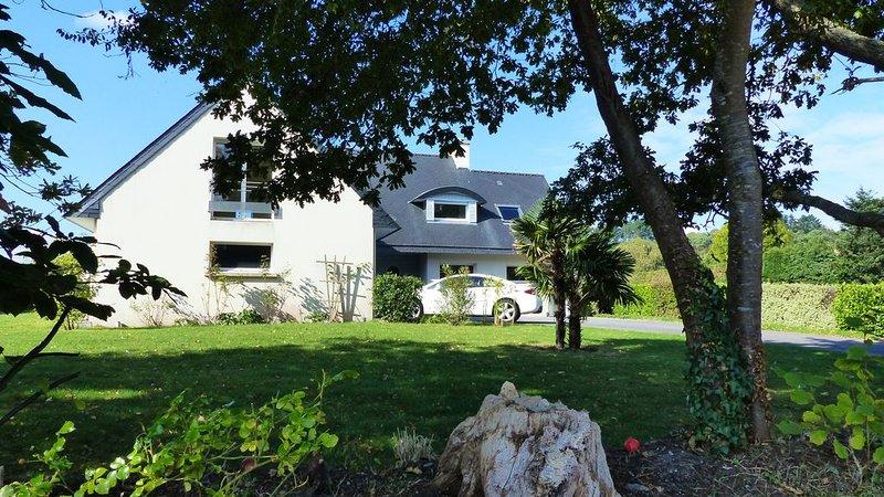 Grande villa très lumineuse 1850 m2 de terrain,  proche mer, forêt et commerces, casa vacanza a La Foret-Fouesnant