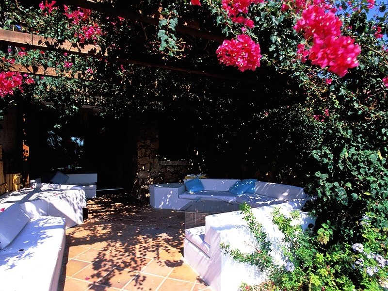 Mediterranean relaxation: luxury setting in spectacular landscape, holiday rental in Porto Rotondo