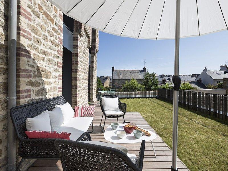 LE PONANT - Terrasse et Garage privés, vacation rental in Dinard