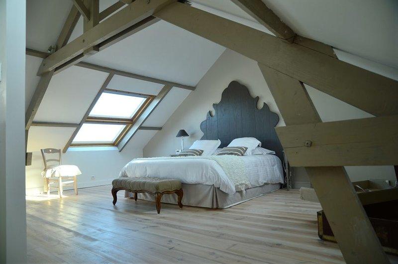 Hébergement haut de gamme sur la plage historique d'Arromanches, classé 4* épis, holiday rental in Tracy-sur-Mer